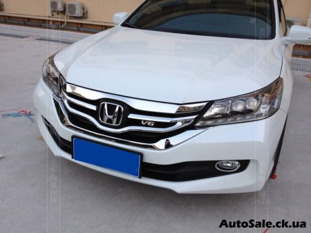 Решётка радиатора Honda Accord 2015-2016 года